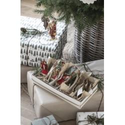 Julenisse med oppheng med...